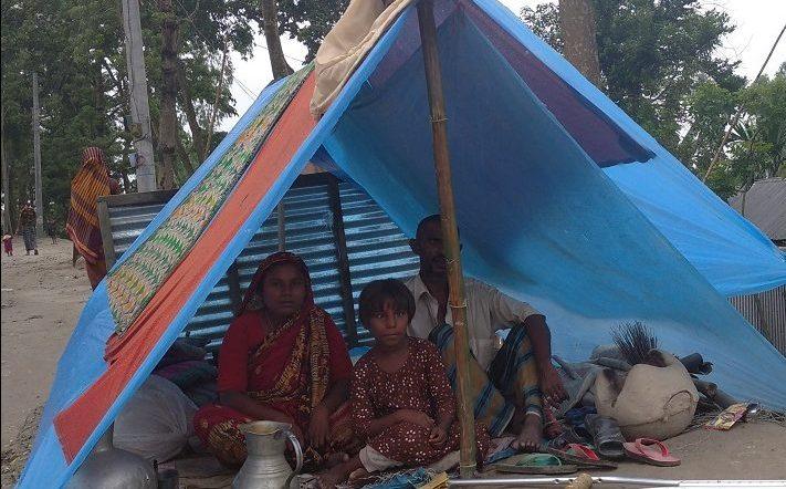 কুড়িগ্রামে খাদ্যাভাব সহ চরম দুর্ভোগে বানভাসী মানুষজন